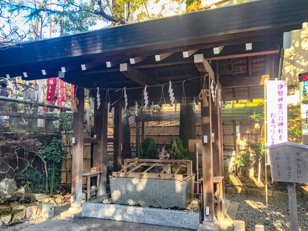 東京大神宮の手水舎(てみずや)